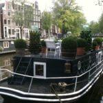 Amsterdam péniche sur un canal