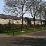 Rue avec maisons jumelées à Breda