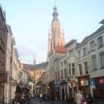 """Breda vue sur l'église """"Onze Lieve Vrouw"""""""
