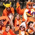 La fête du Roi (Koningsdag) a lieu le 27 avril de chaque année. C'est l'occasion de s'habiller en orange!